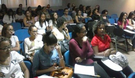 CRP-03 realiza palestra sobre Avaliação Psicológica durante Fórum em universidade de Salvador